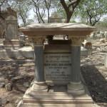 Jewish-Graveyard_02